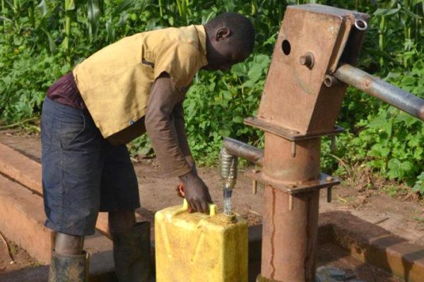 Schoon water in Rwanda